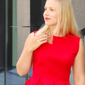 Red (almost) totallook