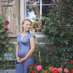 Pierwsza sukienka ciążowa